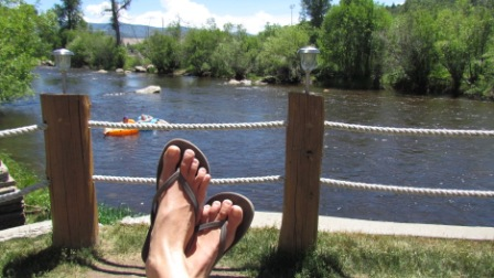 boathouse-steamboat-restaurant-sitting-by-the-yampa-river-yampa-tubers