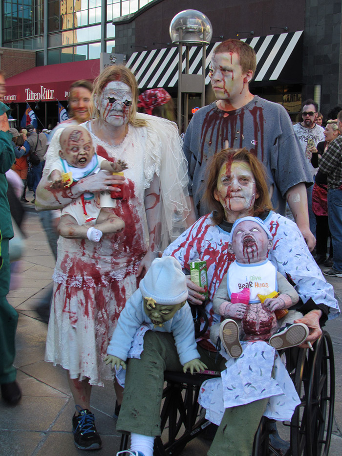 denver-zombie-crawl-2013-p